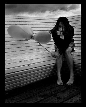 lonelygirl-balloons