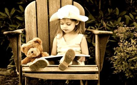 Child-Teddy-Bear